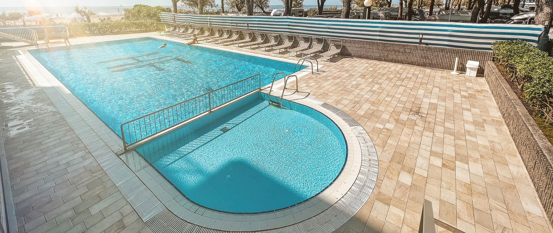 Hotel Fenix : Seafront hotel with swimming pool in Cavallino (Venice) Italy